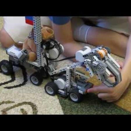 Робот - погрузчик из LEGO Mindstorms